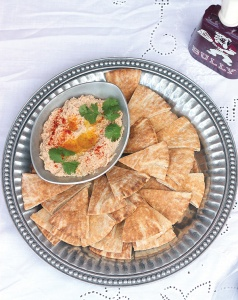 black-eyed-pea-and-bacon-hummus-009