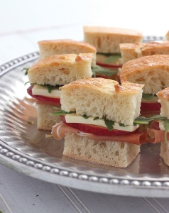prosciutto-apple-and-brie-tea-sandwiches-020